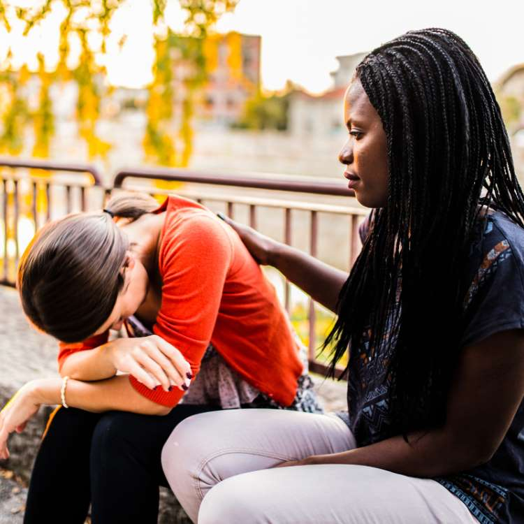 9 Ways to help your friend to deal with a breakup