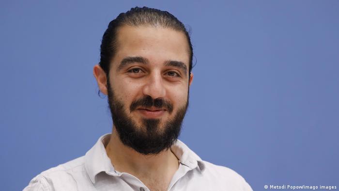 Syrian refugee Tareq Alaows launches bid for German parliament
